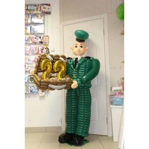 Солдат -таможенник из шаров